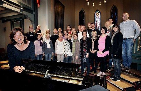 FLOTT DEBUT Byens nyeste kor, Moss Ensemble Consensus (Mosseensemblet), imponerte da de debuterte under Margrethe Ek-Stenmos ledelse i Moss kirke mandag.