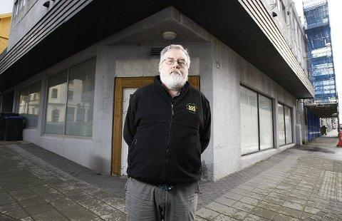 MØTER I RETTEN: Hovedkasserer Kjell Gunnar Larsen er den eneste foruten advokaten som møter for SOS Rasisme når tvistemålssaken mellom organisasjonen og Landsråd et for Norges Barne- og ungdomsorganisasjoner starter mandag.