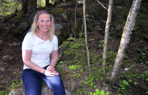 KOM DEG UT! Leder for barnas turlag i DNT Vansjø, Marie Solvoll Lyby, håper at mange vil ta turen ut i godværet og inn i skogen sammen med barna.