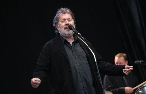 OSCARSBORG ELEKTRISKE: Bjørn Eidsvåg er vanligvis akustisk, bare ikke på akustiske festivaler. FOTO: ODD INGE RAND.