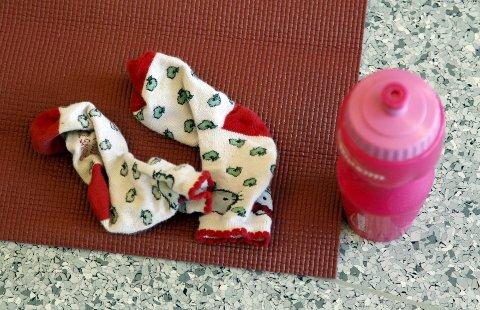 BARBENT: Sokkene må av når yoga står på timeplanen.