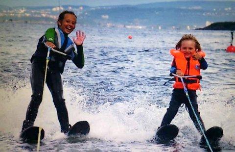 TIDLIG KRØKES 2: Tomms barnebarn Maya og Marcus, ti og fire år da bildet ble tatt utenfor Høyerholmen.