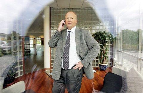 <b>I VINDEN: </b>Administrerande direktør Olav Linga i Haugaland Kraft vil ha både vindmøller og kolkraftverk i Haugaland Næringspark i Gismarvik. Han er oppteken av at regionen på sikt vert sjølvforsynt med energi.