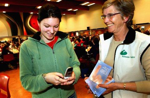 De siste årene har antallet ungdommer som får betalingsproblemer grunnet mobilbruk steget.
