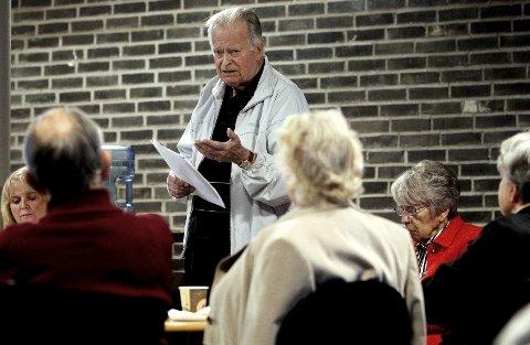 Ville ha Bøe opp på fast plass: Erling Ree–Pedersen talte varmt for at Brede Bøe skulle få andreplassen på Moss Høyres liste. Men det ble Sverre Høstmark som fikk flest stemmer (15) og sikret seg plassen etter Ingjerd Schou. alle foto: Terje Holm