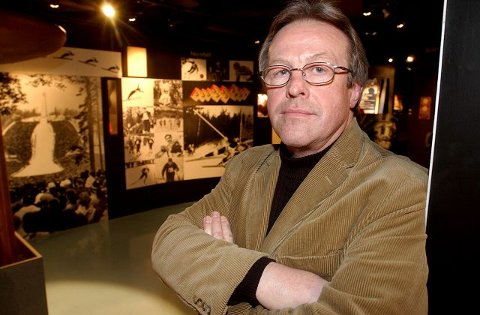 FORFATTERSUKSESS:Åge dalby fra Hamar opplever store dager som forfatter for tiden. Nå er boken hans om de olympiske sommerlekene kåret til verdens beste<I>Foto: Ola Matti Mathisen </I>