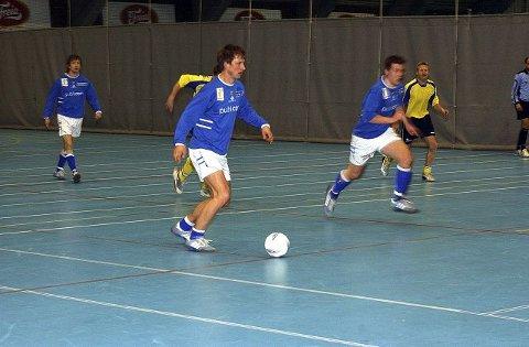 TRE MÅL: Stian Nilsen ordnet tre mål mot Solør Futsal i går, men det holdt ikke til poeng. ARKIVFOTO