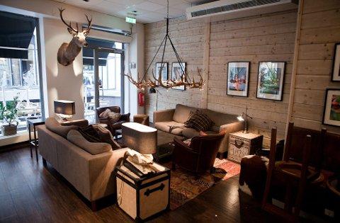 Kjeden Espresso House har nylig etablert seg i Norge, og satser på rustikke omgivelser med treverk og gode sittemøbler.