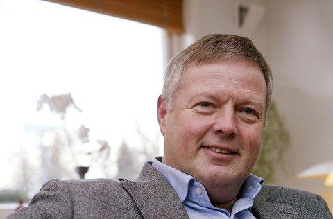 LOKALPOLITIKER Tomas Colin Archer forklarer hvorfor han vil jobbe for å bevare Rygge flystasjon.