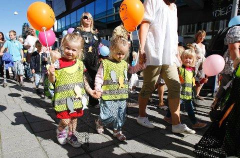 Nora Svaneland (4), Malin Tollevik (4) og Eline Njøsem fra Amanda barnehage.