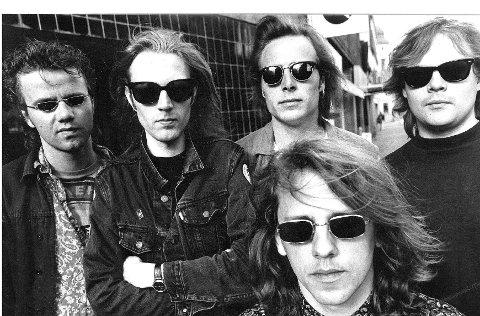 Arne Thelin (foran) var bandets vokalist fra starten av, men ble erstattet av Morten Heiberg i 1991.
