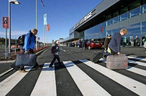 Med de nye begrensningene kan omlag 1,5 millioner reisende komme til og fra flyplassen på Rygge i året.