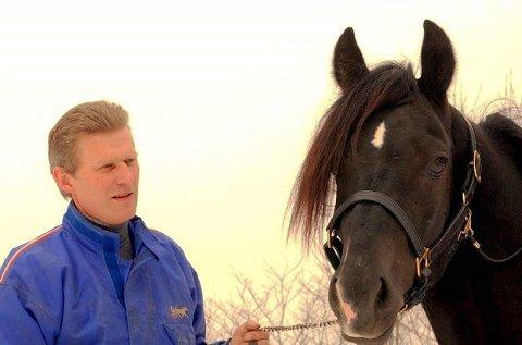 SUKSESS: Lars O. Romtveit, her med Åsaelden, har hatt ordentlig fart på seiershjulet i vintermånedene. FOTO: VIDAR KALNES