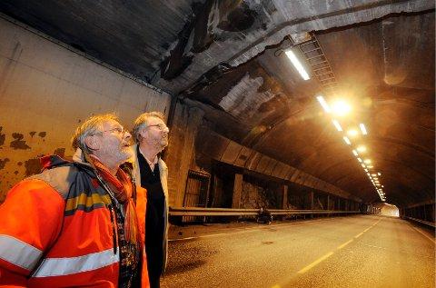 Seniorrådgiver i Statens vegvesen Reidar Jørgensen og direktør i Vestfoldfestspillene Svein Eriksen tror Slottsfjelltunnelen blir en flott konsertarena, og mener at den vil kunne romme over 500 mennesker.