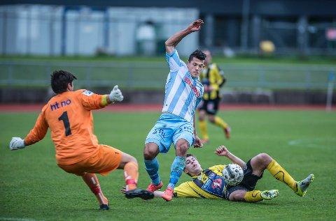 Fitim Azemi scoret ekte hat-trick på 20 minutter i 2. omgang mot Harstad.