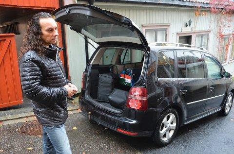 Hvis tollvesenets menn målte riktig med tommestokken, får Glenn Main Henriksen fra Tønsberg en uforutsett bilregning på over 30.000 kroner.