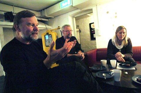 BEKYMRET: Sogneprest Yngve Sagedal, leder av menighetsrådet Øystein Eilertsen og diakon Bente Pladsen. Foto: Kirvil Håberg Allum