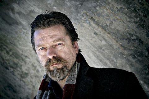 BOKKAFÉ: Forfatter Håvard Rem fra Notoddden tar turen til Bellman tirsdag kveld. Andre kveld av kulturuka er viet bokkafé med en prat om forfatterskap, ildsjeler og motbakker.