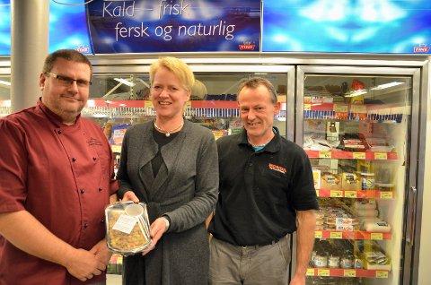 Håper på marked: Johnny Granheim, Gry Falck og Jan Ivar Oldervik håper det er et godt marked der ute for ordentlig lokal mat.