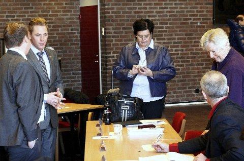 Frp's representanter Erlend Wiborg, Håkon Aleksander Røssum, Anne Bramo, Liv Leirstein og Arild Svensson fikk kun sine egne stemmer.