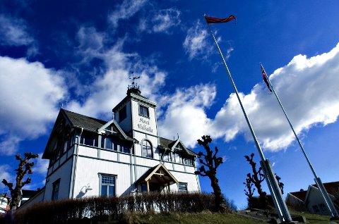 På byens tak: Hotel Valhalla på St. Hansfjellet er et landemerke for mange som kommer inn i Fredrikstad sentrum fra vest.