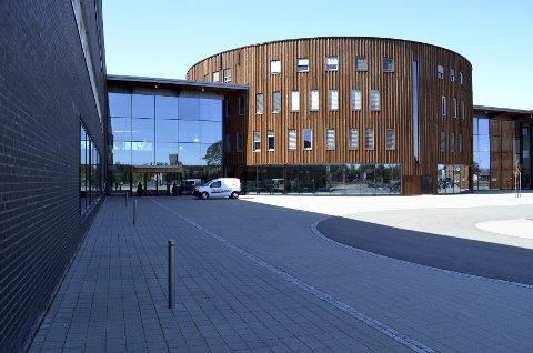 NT FLØY: En ny fløy i to etasjer på Terningen Arena skal romme den nye institusjonen for psykiatri.  (Foto: Bjørn-Frode Løvlund)