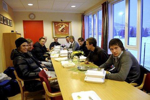 HOS SKIOLD. Drammen FK holdt hus i Skiolds lokaler mellom treningene.