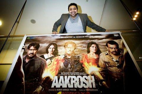 Shanzad Ghufoor sørger for at Ski kino kan vise Bollywood-filmer. I dag er det verdenspremière på den oppsiktsvekkende «Aakrosh» med æresdrap som tema. FOTO: FREDRIK VARFJELL