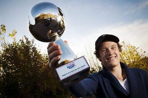 Ulrik Pedersen (17) fra Drøbak ble i helgen lagverdensmester i gokart i klassen Rok sammen med Kenneth Årsnes fra Ålesund .begge fOTO: FREDRIK VARFJELL