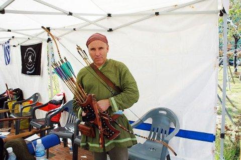 De fleste deltakerne stilte i nasjonale drakter i konkurransen. Truls Erik Dahl hadde på seg Robin Hood-liknende klær.