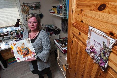 MARIANNES Hule: - Her kan jeg sitte i timesvis og dille og dalle, sier Hamar-scrapper Marianne Johansson, som har et eget scrapperom i huset med alt av utstyr.alle foto: Jo E. Brenden