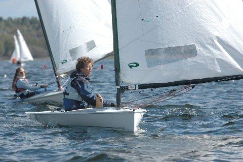 GOD I TYSKLAND: Lars Johan Brodtkorb har hevet seg en klasse fra i fjor og seiler nå jevnt med de beste i Europa. FOTO: VIDAR KALNES