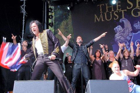"""INTENSIVT SHOW: Det var ingen dødpunkter under Åge Sten Nilsen og kompanis oppsetting av Queen-hyllesten """"The Show Must Go On 2"""". Både artister, dansere og publikum var i storform under hele konserten. (Alle foto: Randi Helén Nodeland)"""