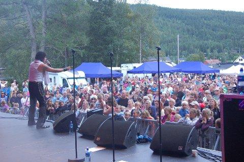 FOLKEHAV: Rundt 3.000 publikummere jublet til Nilsen og kompani i The Show Must Go On 2.