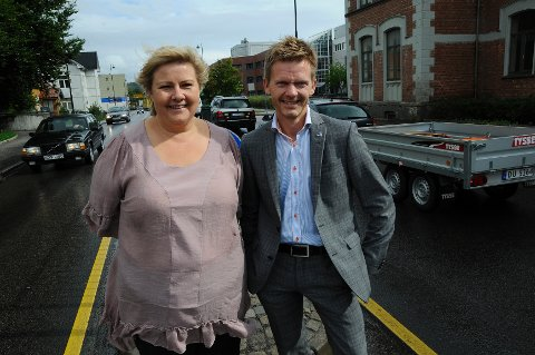 Erna Solberg og Tage Pettersen følte på trafikken i Moss.
