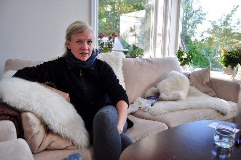 TRYGG HAVN: Lene Hannisdahl har fått det mye bedre etter at hun flyttet ut på landet, i nærheten av Åsgårdstrand. Foto: Trude Brænne Larssen