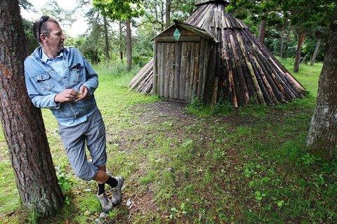 Grunneier Hans Torer Mamen vil fortsatt ha speiderne og lavvoen deres på Røed gård. Nå ligger saken hos Direktoratet for naturforvaltning til endelig avgjørelse.