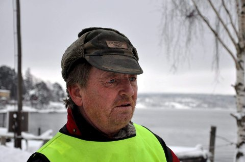 Odd Beston, Frp-politiker fra Hurum, avviser at han er rasist. Søndag kveld la han ut et innlegg på Facebook der han tok til orde for å «sende alle apekattene tilbake til Afrika» for å stoppe voldtektsbølgen i Oslo. Leder i Buskerud Frp, Knut Gjerde, avviser ikke at Beston kan bli eksludert fra partiet.