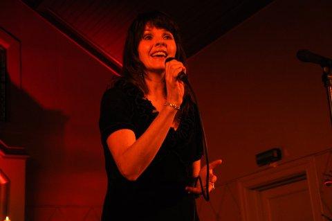 MED VARME: Anne Vada vant publikum med sin vakre sang.