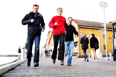 Disse tre vil du bli bedre kjent med i løpet av det neste halve året. Fra venstere Even Hytten (TFIK), Hilde Grennes (Nøtterøy Turn) og Steinar Hamlet Nielsen (TK). Geir Erlandsen og Johnny Jensen fra Nøtterøy Håndball var ikke til stede da bildet ble tatt, men vil også være med i TB Aktiv.