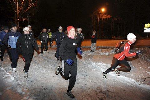 Maja Pettersen (nærmest til venstre) og Hege Holmberg (høyre) var raskest ut av «startblokkene» da TB Aktiv-gjengen testet seg på første trening: