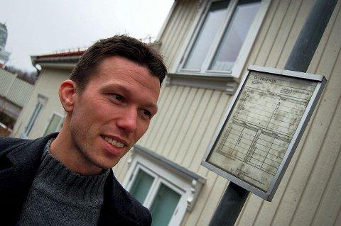 BUSS TIL HOLMESTRAND:  Marius Waldal pendler fra Horten – fra med tog fra Holmestrand stasjon. ALLE FOTO: STIAN ORMESTAD