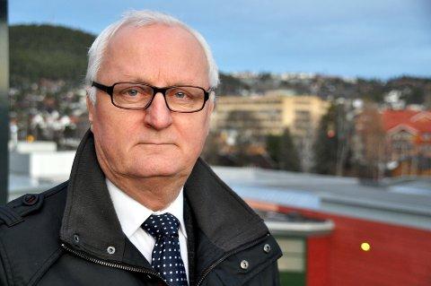 Morten Eriksrød fra Kongsberg er fylksordfører, men henviser til sin gruppeleder for kommentarer.