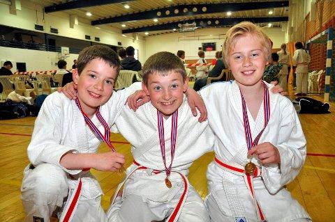 Tre utøvere fra Sandefjord Judoklubb deltok i barneklassene. Fra venstre: Casper Hemmerle (10), Baltasar Hemmerle (11) og Vebjørn Skaara.