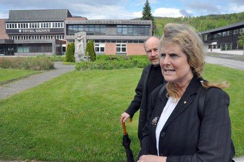 Annemor og Trond Magnum ønsker å starte opp et lokallag for NFU i Trysil. Flere pårørende opplever at barna deres får en vanskeligere hverdag som følge av de stadige kuttene i omsorgstjenesten i Trysil kommune.