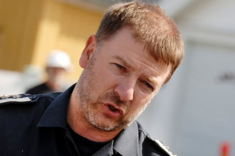 Brannsjef Per Olav Pettersen advarer folk mot useriøse selgere som gir seg ut for å være fra brannvesenet.