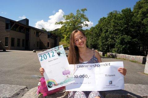 VANT DRØMMESTIPEND: Danser Helena Elisabeth Klokkersund Byrt (12) fra Hvalstad stakk av med årets drømmestipend i Asker FOTO: TORKEL ØIEN