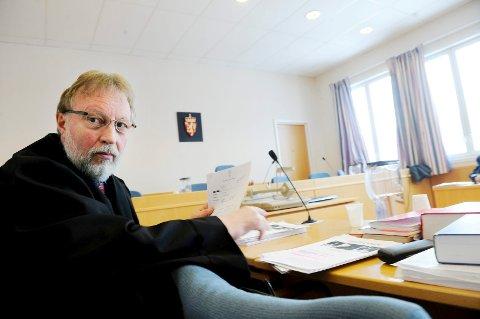 Politiet, ved politiadvokat Olaf R. Kløvstad, ba tirsdag Tønsberg tingrett om forlenget varetektsfengling av to menn knyttet til et stort narkotikabeslag i Vestfold.