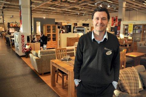 Daglig leder ved Bohus Elverum, Jon Reddy Vasaasen, er positiv til konkurransen fra IKEA fra 2014/2015.