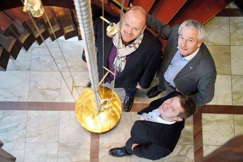 Tommy Steine, Roar Kaupang og Finn Erik Sjong eng-asjerer seg for hjelpeorga-nisasjonen Sabona. FOTO: BJØRN TORE BRØSKE